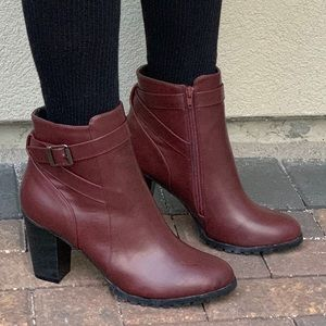 NIB Chic Burgundy Red Buckle Heeled Ankle Boot